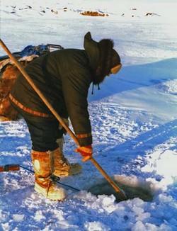 http://maud96.cowblog.fr/images/Avril2010/Inuitpeche.jpg